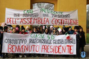 Striscioni per il presidente Mattarella