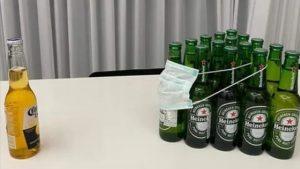 Birra Corona con il Coronavirus e altre birre con la mascherina