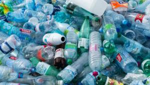 Inquinamento da bottiglie di plastica